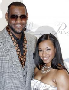 savannah-brinson-and-lebron-james_387x507