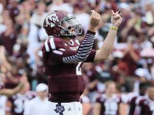 johnny-manziel-threw-his-first-touchdown-pass-and-then-did-the-show-me-the-money-celebration