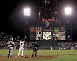 Barry Bonds celebrating record HR no. 756.